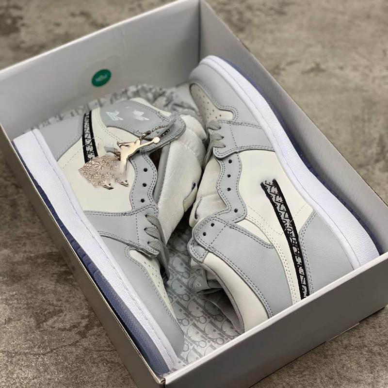 TOP KALİTE 2020 Resmen ortaya yıldönümü işbirliği Gri Beyaz Fransız moda stil Sneaker ayakkabı size36-46