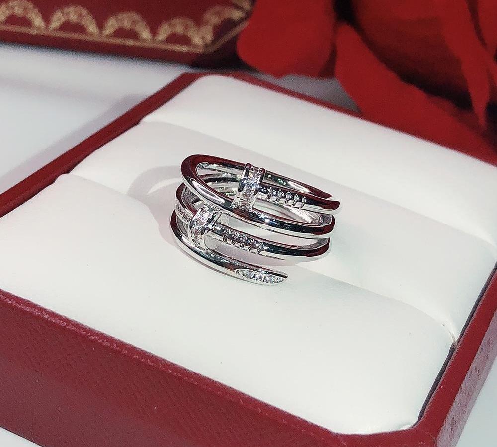 Les clous de mode marques Hot or Anneaux femmes Envoi gratuit Punk pour le meilleur cadeau de luxe des bijoux de qualité supérieure Trois Circle22