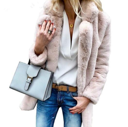 Casual mulheres de cor da pele do falso das senhoras Brasão 2020 Rosa Outono-Inverno suave e quente Outwear Oversize Faux Fur Jacket Plus Size