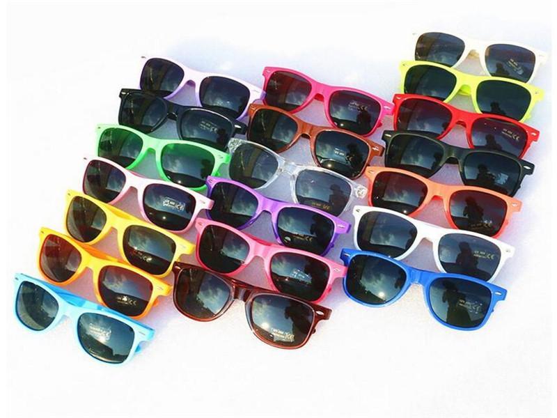 Moda klasik plastik güneş gözlüğü kadın erkek yetişkin çocuklar çocuklar çoklu renkler için bağbozumu kare güneş gözlüğü Retro