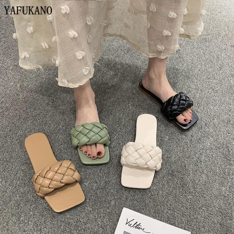 2020 Nueva Marca zapatillas de piel de la armadura de las mujeres de la sandalia con puntera abierta planos ocasionales Diapositivas verano al aire libre playa femenino de las chancletas