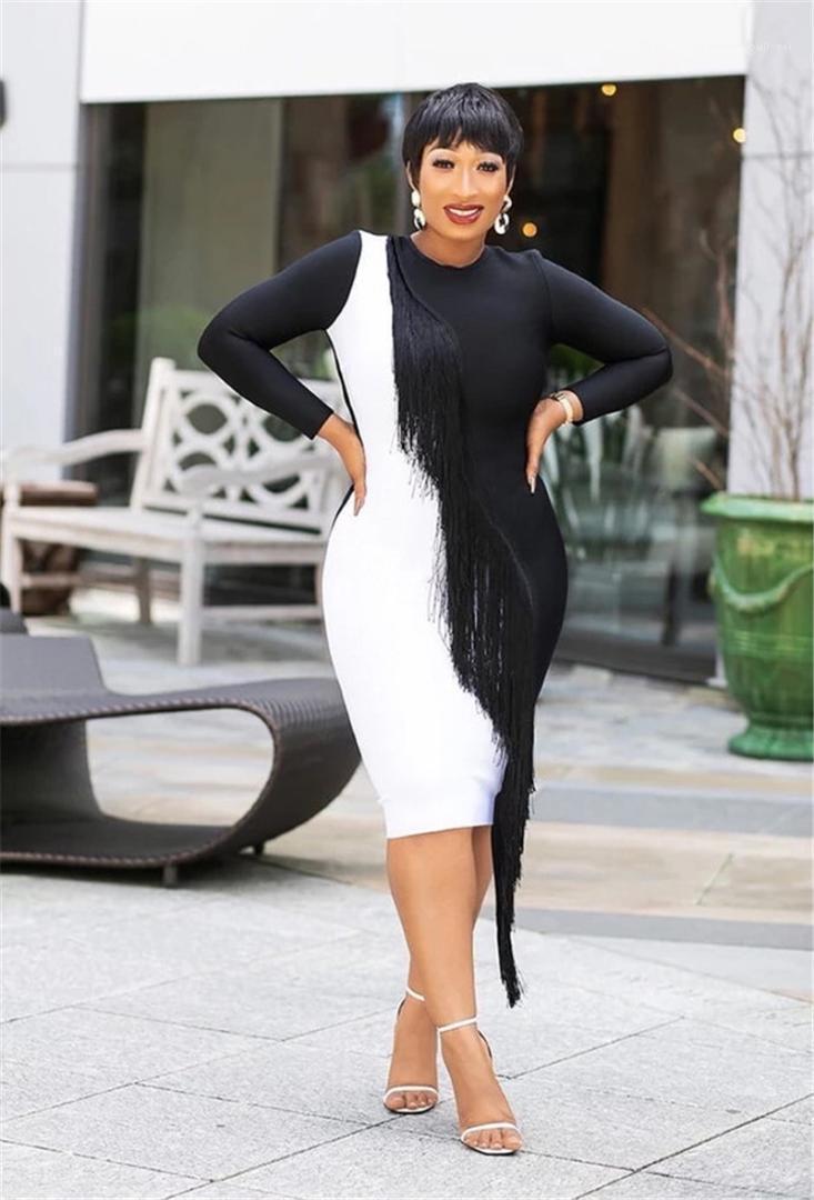 Püskül Giyim Kadın Tasarımcısı Ekip Boyun Elbiseler Kasetli Seksi Casual Bayan Uzun Kollu Elbise ile BODYCON