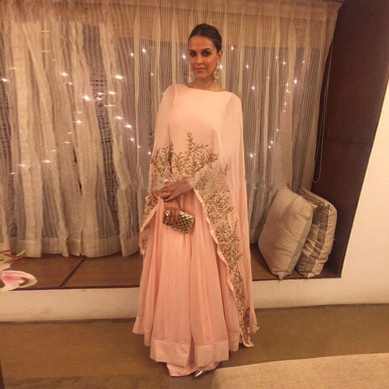 Elegant Arabic Dubai Long Peach Muslim Prom Dresses Cape Full Sleeve Gold Lace Appliques Plus Size Chiffon Formal Evening Gowns Women Dress