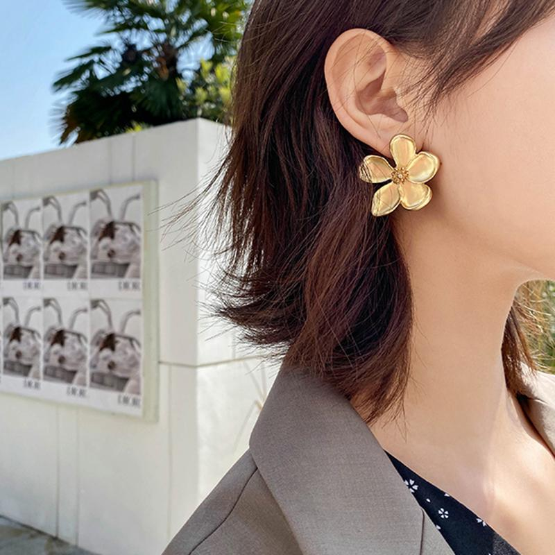 Luxury Gold d'argento di colore Fiori Stud orecchini per le donne Vintage geometrica svegli monili floreali di metallo orecchini regalo