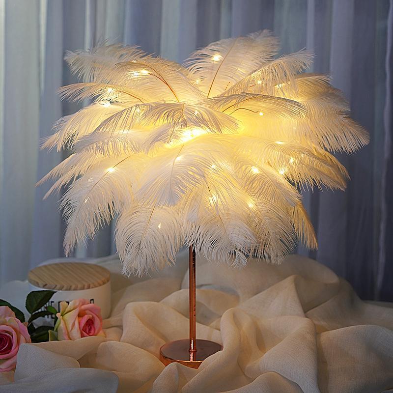 DIY 창조적 인 깃털 테이블 램프 따뜻한 화이트 라이트 트리 깃털 전등 갓 소녀 LED 웨딩 장식적인 빛 핑크 화이트 생일