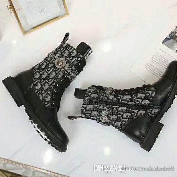 Scarpe Lady Fashion Martin stivali di moda di amore del fenicottero Freccia Medaglia pelle ruvida Desert Boots invernali di lusso in pelle da donna