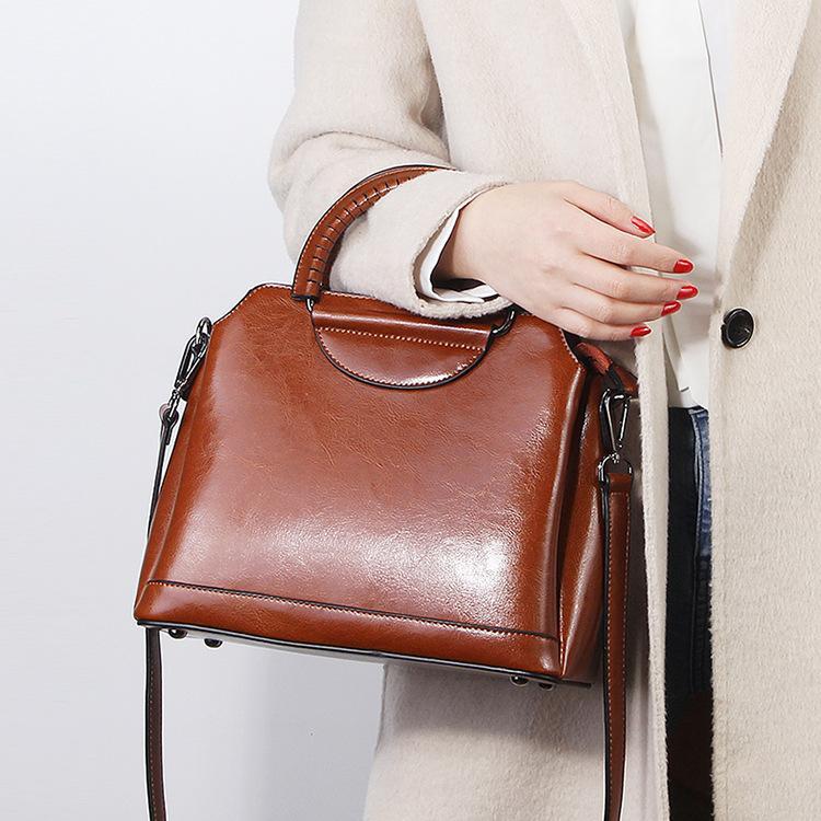 spalla borsa diagonale 2020 nuovo cuoio di modo sacchetto femminile cera dell'olio della pelle bovina semicerchio donne borsa