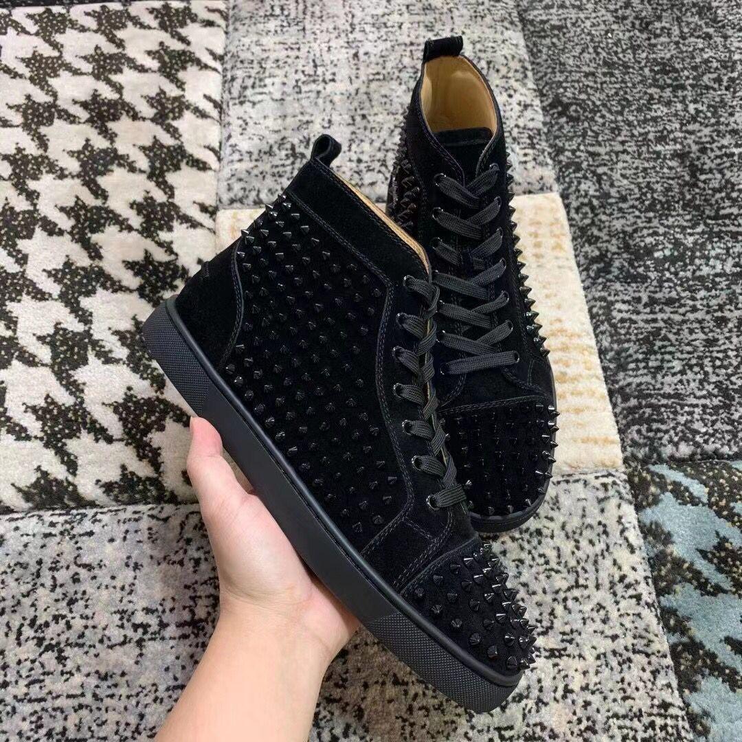 Ucuz Lüks Siyah Süet Deri Spike Sneakers Ayakkabı, Şık Kırmızı Alt ayakkabı erkekler Tasarımcı Konfor Marka Günlük Ayakkabılar EU35-47