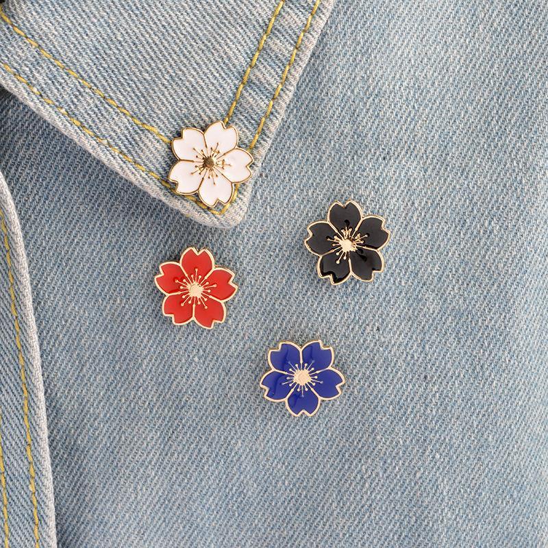 Kiraz Çiçek Altın Renk Broş Pin Düğmeler iğneler Pim Rozetleri Torba Japon Stili Takı Hediye İçin Kız Broş