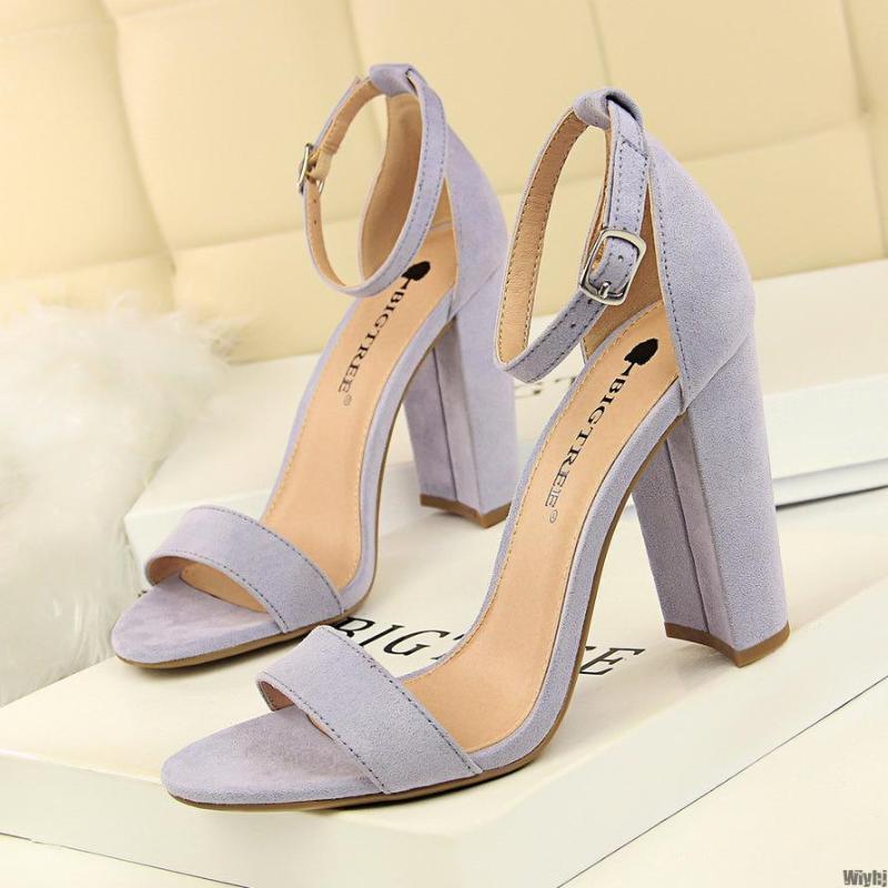 Nuove scarpe da donna sandali scarpe da donna in pelle scamosciata sandali del partito fibbia sexy classico