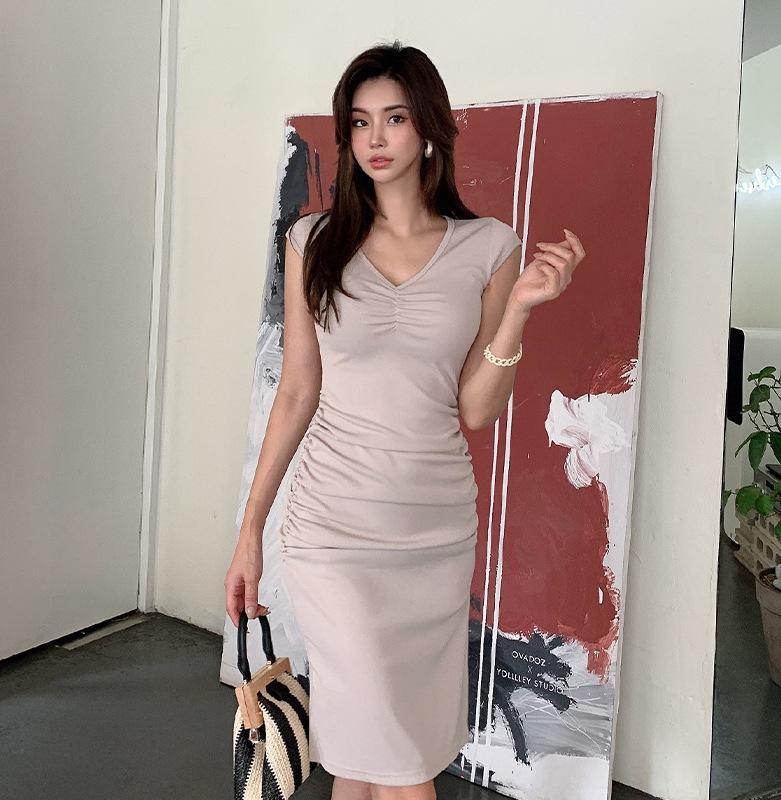p2ju1 2020 Yaz yeni elbise Kore tarzı seksi V yaka mizaç kadınsı ince kalça-kapalı elbise bölünmüş pilili