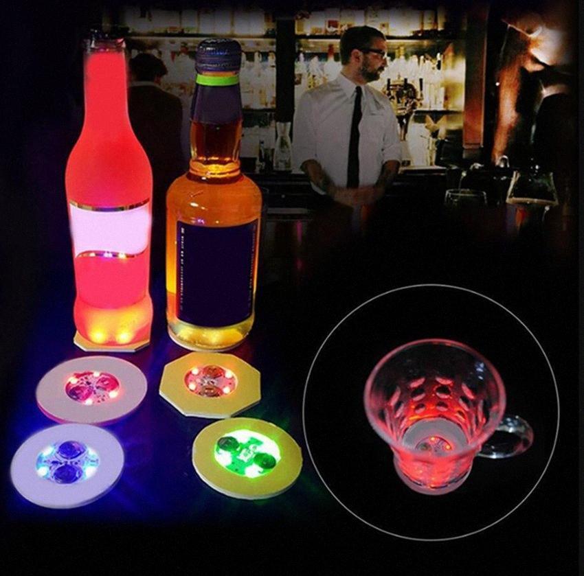 Кубок LED Glow Coaster Бутылка Светой наклейка Фестиваль Бар партия Vase украшения LED прославляет Drink Mat для вечеринок 2000шта IIA157 970r #