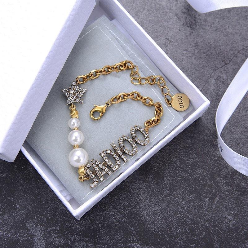 D Star Pearl Letter Diamond Bracelet Internet Celebrity Anchor Stempa collana