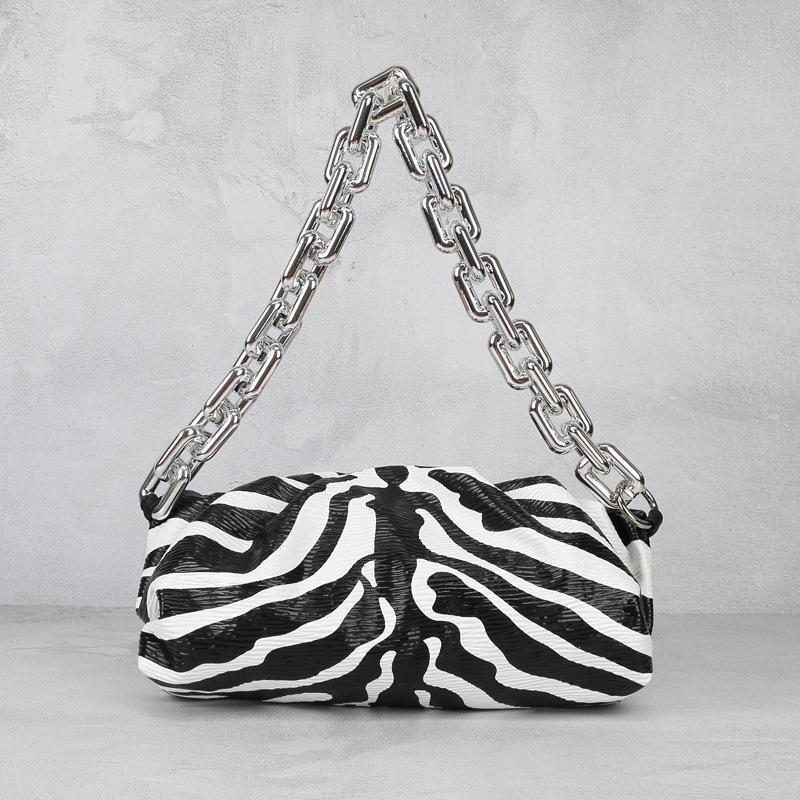 Neue Muster europäische und amerikanische Art-Schulter-Beutel-Ketten-Wolke Tasche Weiblicher Zebra-Streifen Leder Dumpling-Beutel-Frauen