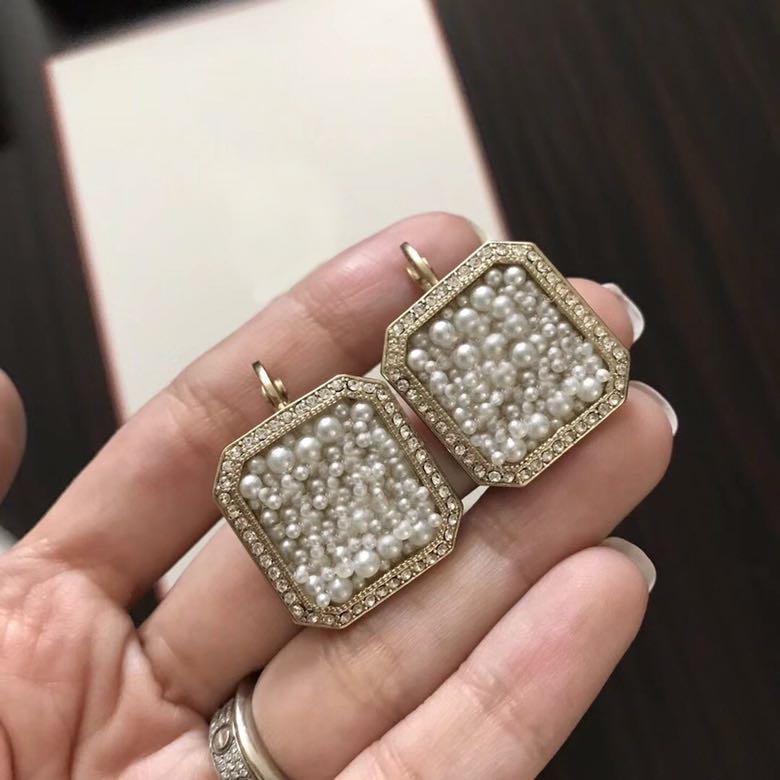 Популярная мода бренда High версия Square Pearl дизайнерские серьги для дизайна леди Женщины партии Wedding Luxury Jewelry для невесты с коробкой.