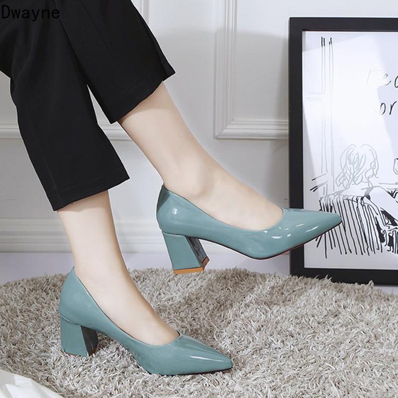2020 neue Frauen des Herbst der einzelnen Schuhe koreanische wilde dick mit spitzen Schuhen mit hohen Absätzen Art und Weise flachen Mund Gelegenheitsarbeit