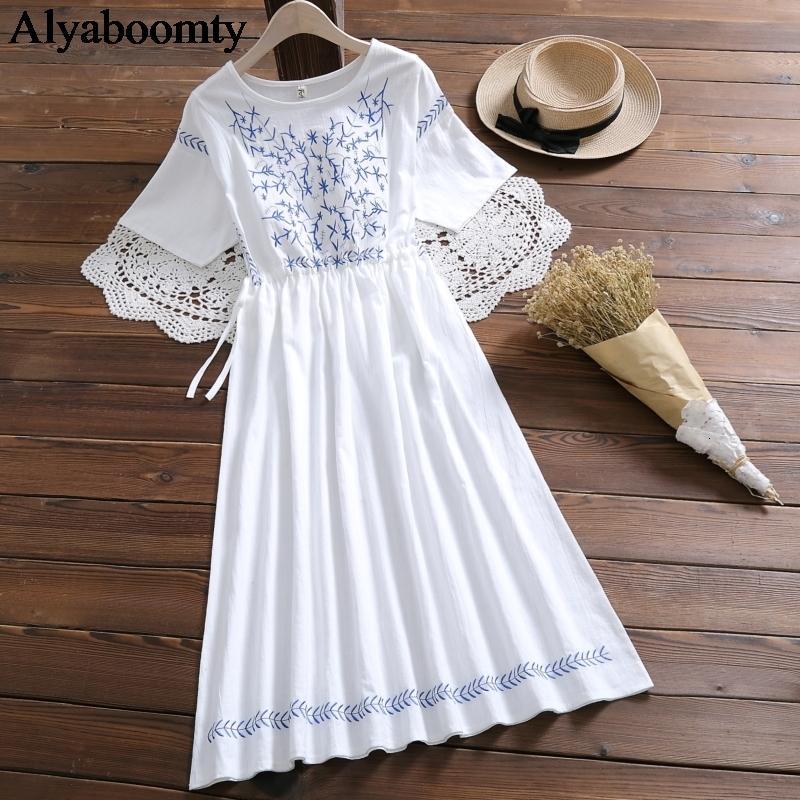 Japanische Mori Mädchen-Sommer-Frauen-weiße Dr Baumwolle Leinen beiläufige lose Midi Dr Elegante Blumenstickerei Weinlese-süße Dr