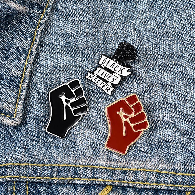 Qihe jóias negras lamentos matter anti-racismo punho broches moda pinos de sorte para roupas de roupas presente de jóias para amigo atacado
