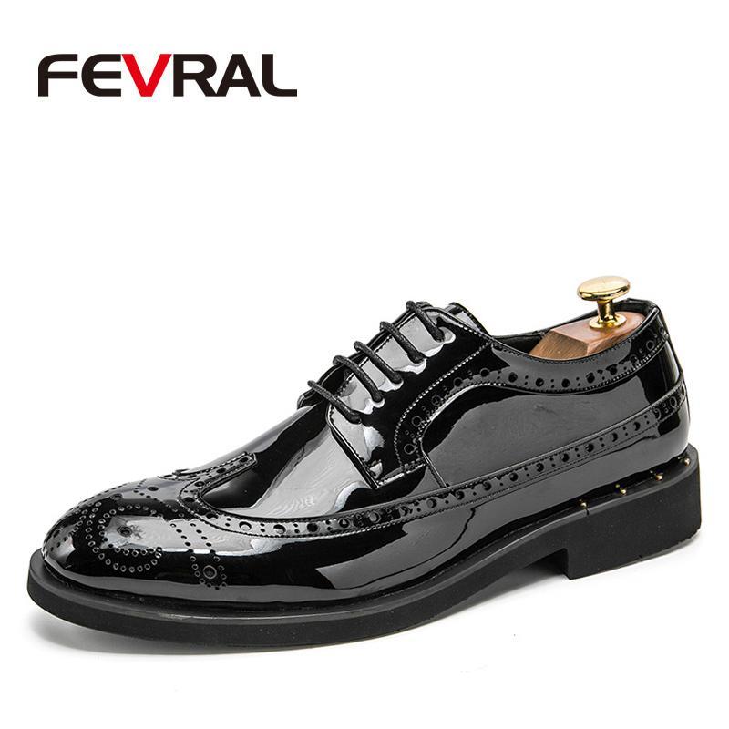 드레스 신발 Fevral 영국 남성 레이스 위로 특허 가죽 뾰족한 발가락 흑인 비즈니스 웨딩 옥스포드 남성을위한 공식