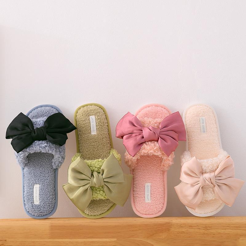 المرأة عارضة المنزل الشرائح الصنادل الأزياء أفخم عدم الانزلاق النعال المسطحة الصيف فروي داخلي زحافات الأحذية