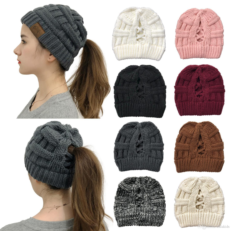 Kadınlar Örme Beanie Şapka Tığ Kafatası Casual at kuyruğu Yüksek Geri çapraz at kuyruğu Beanie Casual Caps parti şapka Caps