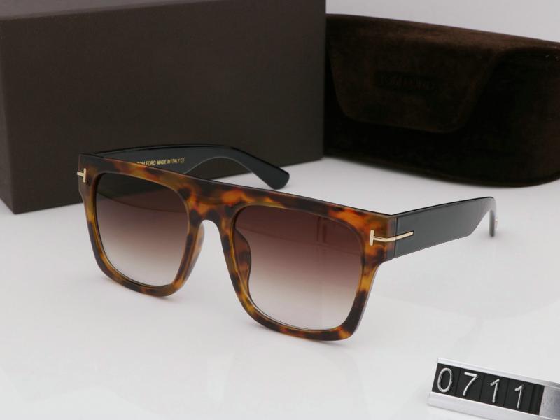 2020 Loisirs avec lunettes de soleil Sunglasses 0711 Man Designer de lunettes d'extérieur pour UV400 personnalité de la mode Femme Sunglasses New Box Brnrt