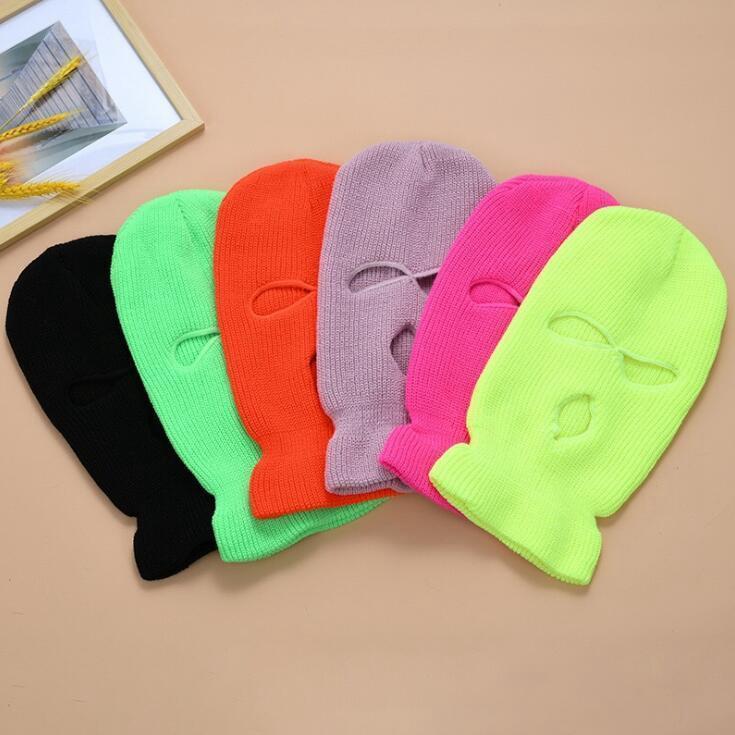 Fluorescente de tres orificios casquillo hecho punto Sombrero de invierno Mantenga máscaras a prueba de viento caliente del casquillo de la cubierta de la cara llena Diseñador partido caliente táctico Sombrero OOA9162