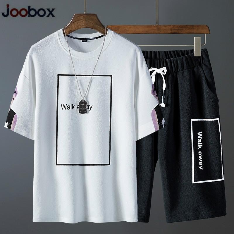 Terno 2020 de Treino Homens Homens de manga curta tendência T-shirt Casual Suits Juventude roupas esportivas de verão + Shorts duas peças Outfit
