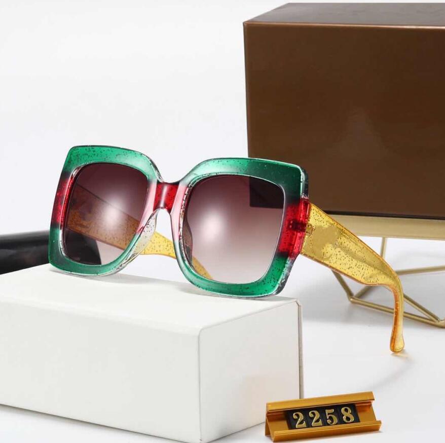 Óculos de sol óculos de moda Top Quality Sun para homens e mulheres lente caso acessórios de pano esporte ao ar livre com caixa