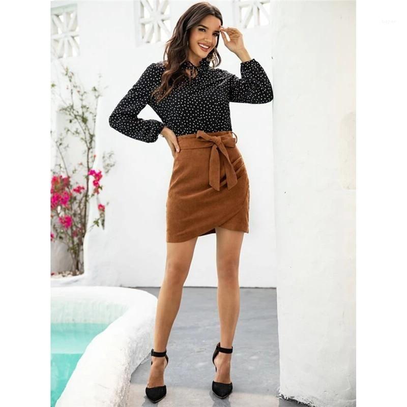 Casual Etekler Düzensiz Yan Basın Bir Adım Etekler Yeni Bayan Tasarımcı Etekler Kahverengi Renk ile Bow Belt