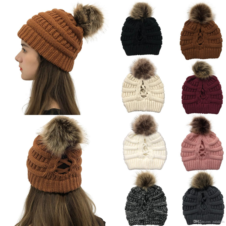 2020 Trendy saçlarınızı Şapka Kablo hımbıl Kafatası Caps Kış Örme Kürk Poms Beanie Etiket Fedora Moda Leisure Açık Şapkalar