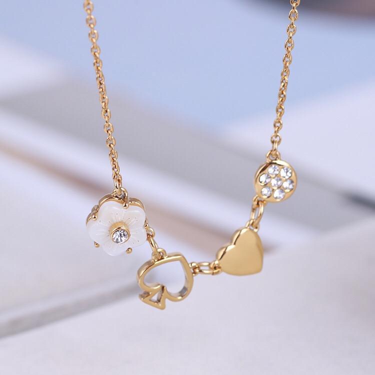 Créatrice de bijoux femmes pendentif coeur colliers en cuivre avec chaîne plaqué or Boucles d'oreilles Pearl Suits bijoux Girl Ins style de mode Bijoux