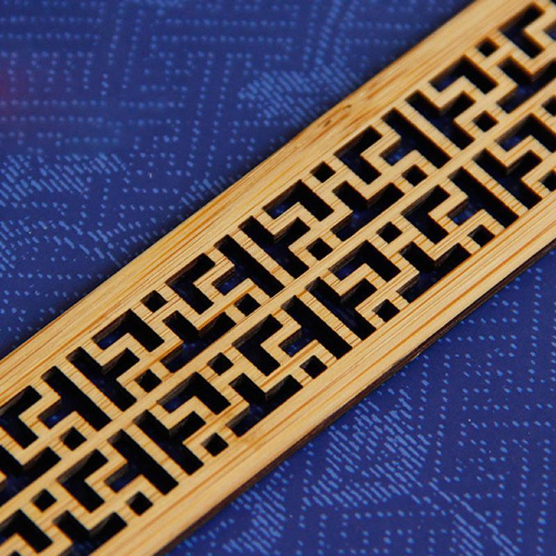 1pc Signets en bois vintage classique creux rétro chic Bookmark sapin Cadeaux AS99