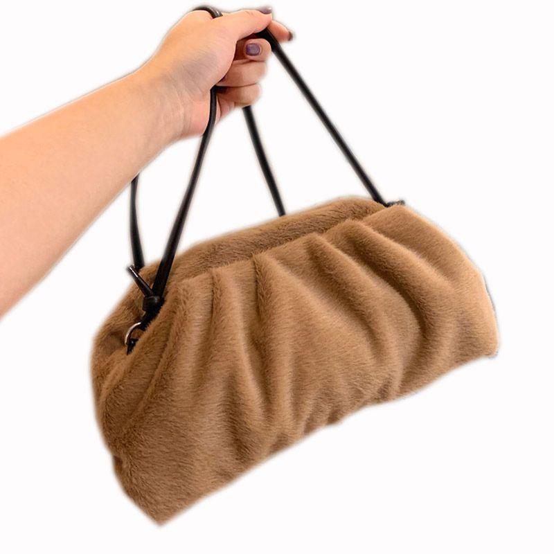 bolso de hombro mensajero bolso 2021 nuevas señoras del bolso peludo revestimiento interior de material de neumático diseño mullido piel de vaca exterior sentirse delicada y suave