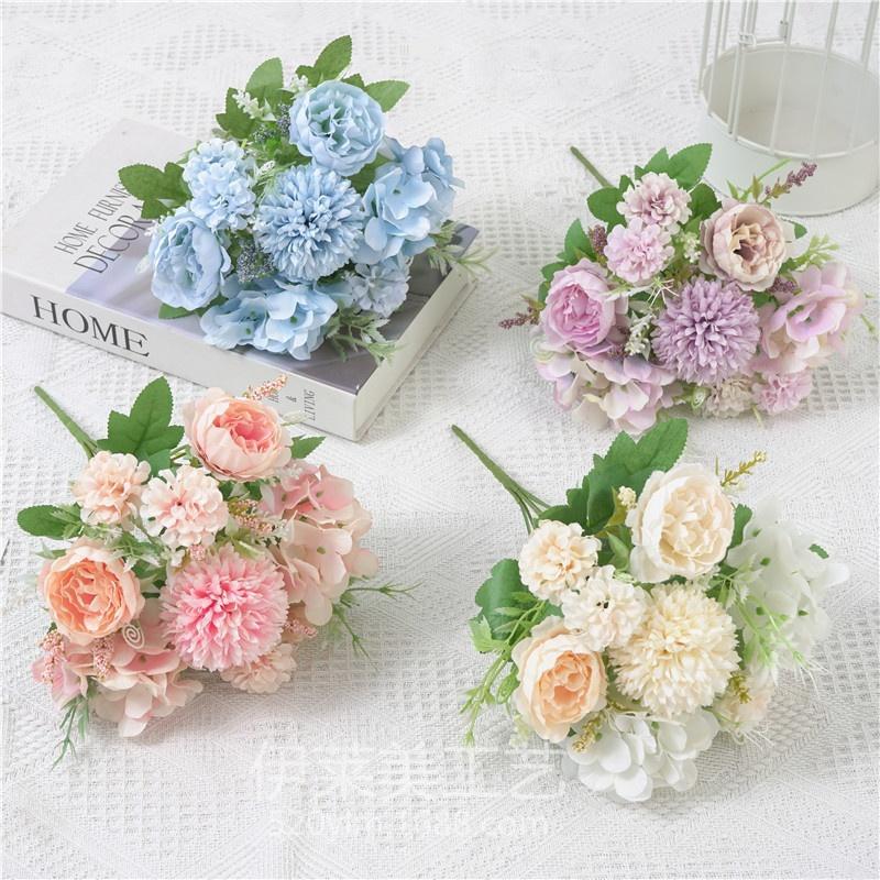 1PC künstliche Blume 7 Gabel Boquet Halter bunte Rosen-Hochzeit Zubehör Blumenstrauß Kleine gebündelten Blumen-Dekoration