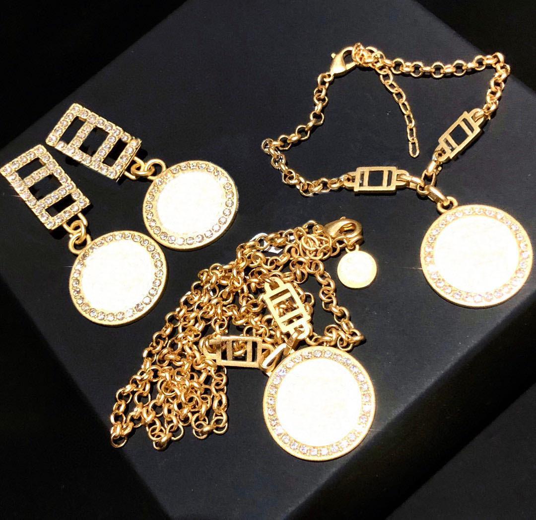 Moda ouro colar brincos pulseira para amantes de casamento Mulheres partido senhora presente da jóia de noivado para Noiva Com BOX