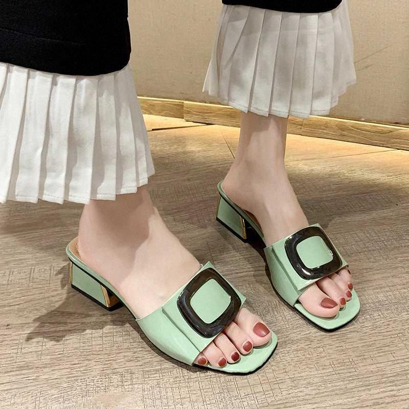Decoración de metal de tacón alto zapatillas Mujeres punta abierta Diapositivas de verano al aire libre del color del caramelo grueso del talón Zapatillas Mujeres 2020 zWwt #