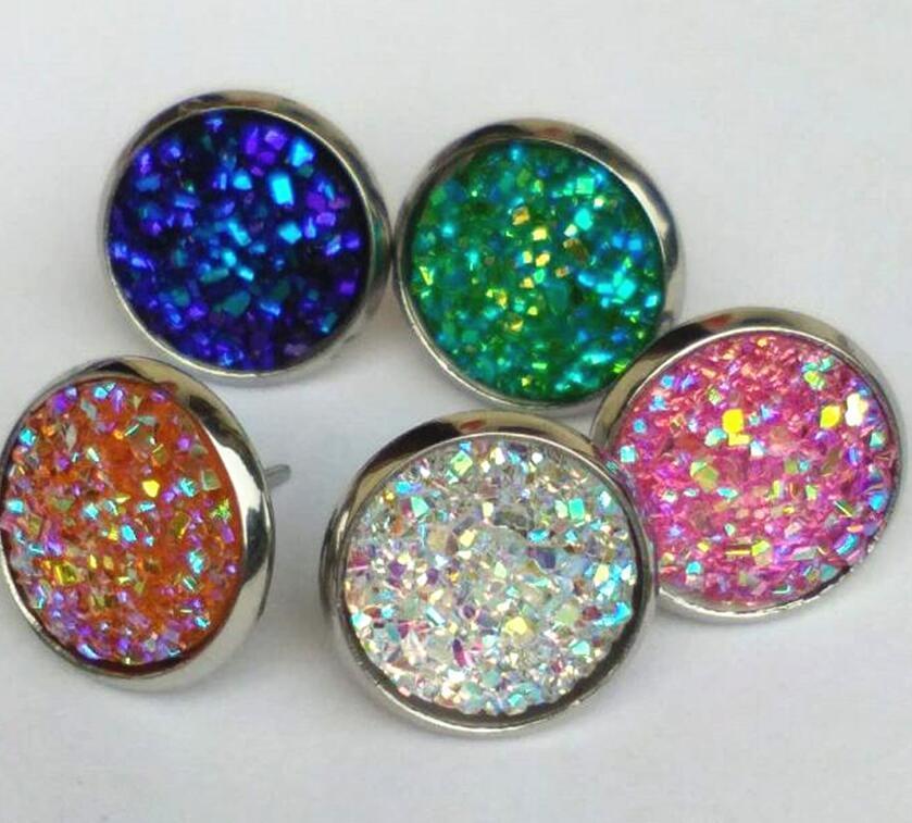 Cgjxs simple mano agradable redonda de la resina Druzy Pendientes de moda de acero inoxidable de tono Vender al por mayor pendiente de la piedra de la resina para señora Gift