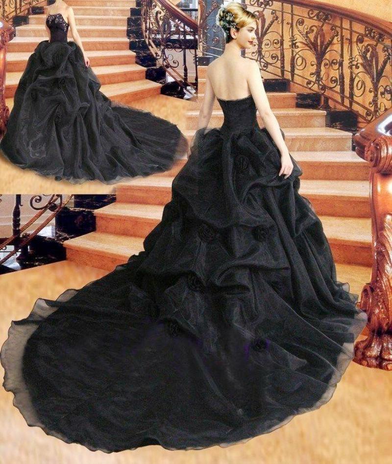 2021 nero Ball Gown Applique del merletto ricamo abiti da sposa increspato Sweep treno d'epoca da sposa da sposa senza spalline Ballgown
