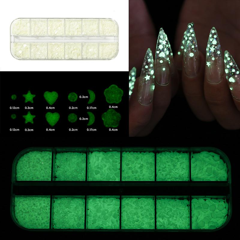 12 Grids / Box Glow In The Dark Nail Glitter Butterfly Star Heart Forme Ronde fluorescent lumineux Paillettes Flocons Décorations