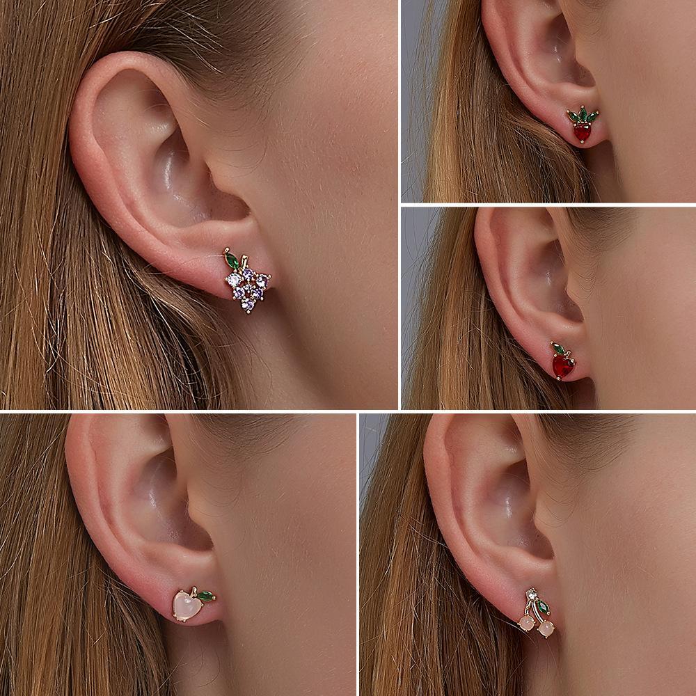 Hot Sale Cute Fruit Stud Earrings Korean Version Diamond Sweet Peach Strawberry Earrings for Women Girl Jewelry