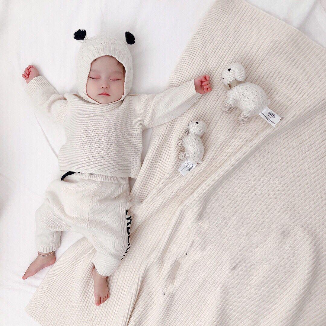 무료 배송 가을 니트 스웨터 아기 소녀를위한 니트 스웨터 신생아 풀오버 + 바지 + 모자 아기 담요 복장 아이들 의류 유아 유아 세트
