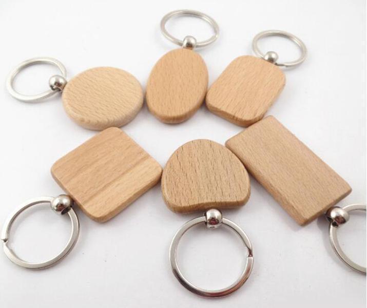 2018 Diy em branco Chaveiro suporte de madeira Coração Anel de madeira Chaveiro personalizado gravado Nome Chaveiros melhor presente Xmas (6 Shape) D274lr