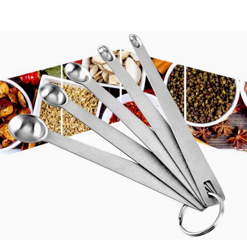 Redondo de acero inoxidable líquido a medir los ingredientes secos de medición de cucharas útiles 5pcs azúcar Pastel horneado Cuchara / DWF919 conjunto