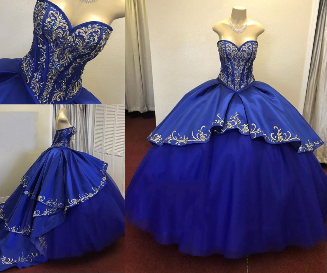 Stunning Gold Embroidery Royal Blue Ball Gown Evening Prom Dresses Cheap Satin Sweetheart Crystal Rhinestones Ruched Quinceanera Dress