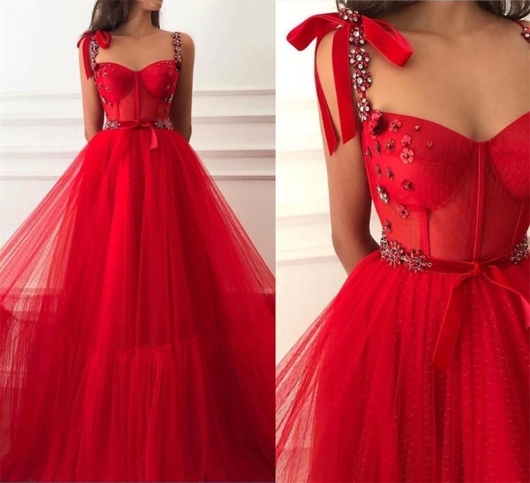 Red Abendkleid Friesen 2020 Perlen Straps Boning Bodic Tulle Islamisch Dubai Saudi Arabisch lange formale Abschlussball-Partei-Kleid mit Gürtel