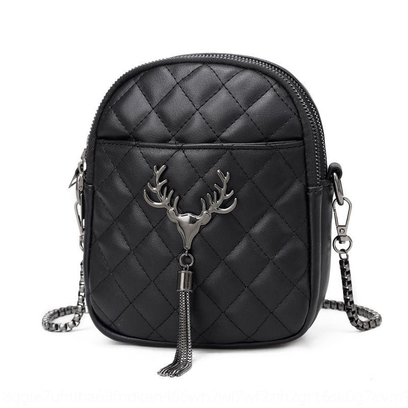 Kadın çantası 2020 Yeni Geyik püskül düz renk Moda tek omuz crossbody çantası büyük miktarda yeni DiscountTassel indirim tercihli x