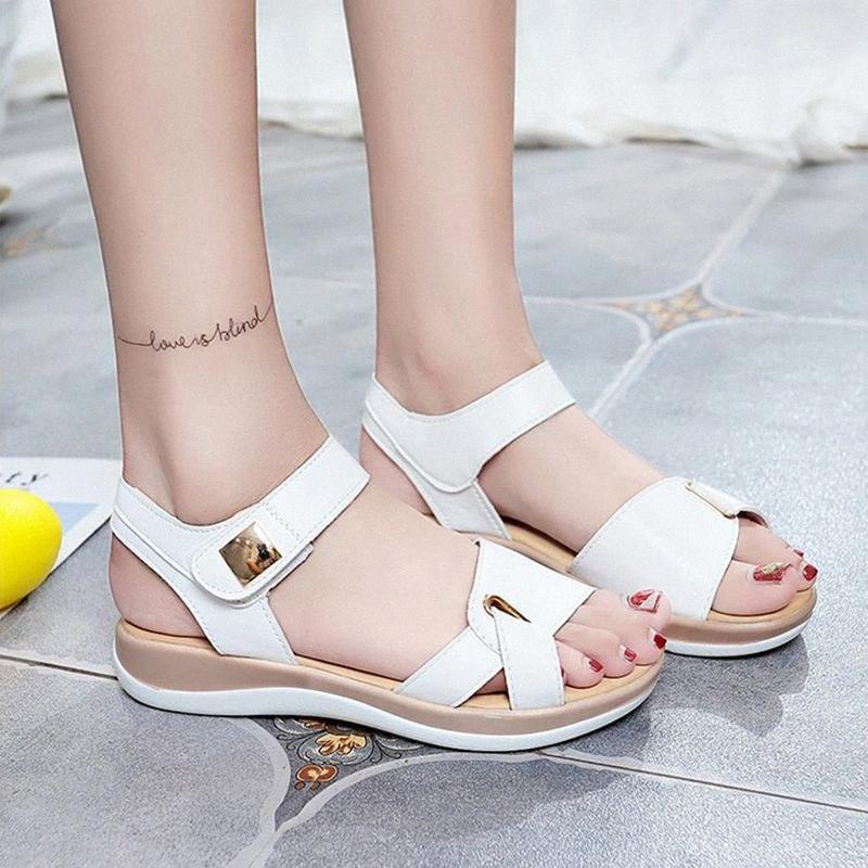 2020 Sandálias Mulheres Moda Feminina gancho laço Flats Feminino New Classic Metal Shoes Mulher Abrir Toe Womens Voltar Strap Calçado KgZf #