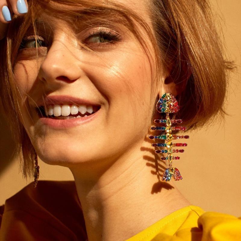 Yeni Multicolors Kristal Rhinestone Balık Kemik Charms Dangle Küpe İçin Kadınlar Moda Takı Bohem Stil Bildirimi Küpe