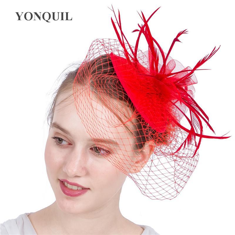 Nowy Styl Kobiety Letnie Czapki Marka Kapelusze Mesh Veils Akcesoria do włosów Czerwony Feather Fascynator Rasie Urodziny Urodziny Ślubne Syf195